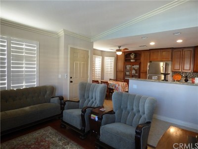 Palm Desert Condo/Townhouse Contingent: 40880 Whirling Wind Drive #A