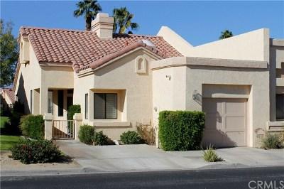 Palm Desert Condo/Townhouse For Sale: 41391 Kansas Street