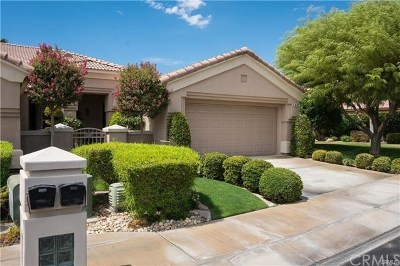 Indio Condo/Townhouse For Sale: 44337 Royal Lytham Drive