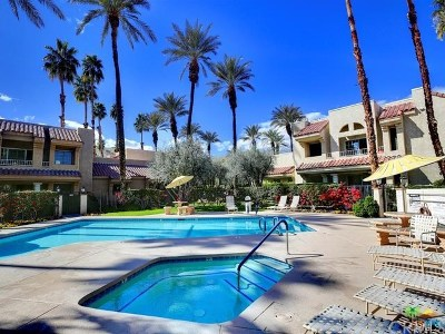 Palm Springs CA Condo/Townhouse For Sale: $97,700