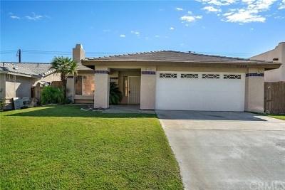 La Quinta Single Family Home Contingent: 51860 Avenida Vallejo