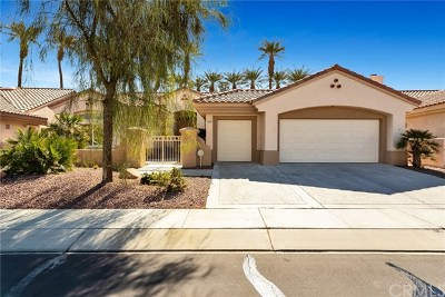 Palm Desert Single Family Home For Sale: 38090 Signal Court