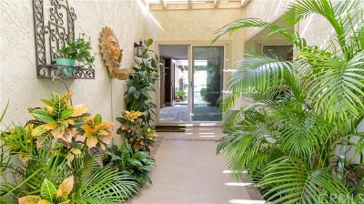 Palm Springs Condo/Townhouse For Sale: 6243 Paseo De La Palma