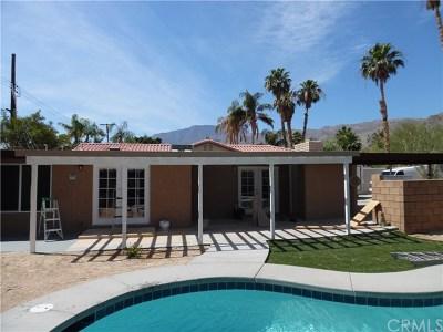 La Quinta Single Family Home For Sale: 54394 Avenida Madero