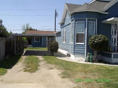 Selma CA Multi Family Home For Sale: $240,000