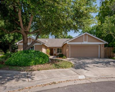 Single Family Home Sold  $345,000: 646 East Teal Circle