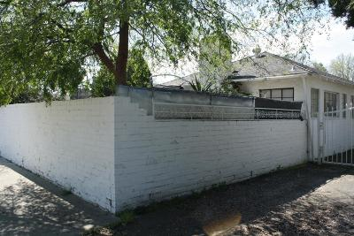 Single Family Home For Sale: 4665 N Palm Avenue