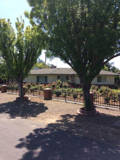 Single Family Home For Sale: 4883 N Del Mar Avenue