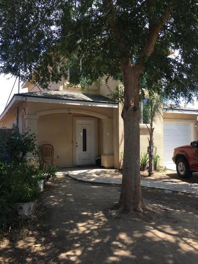 Dinuba Single Family Home For Sale: 1021 E Golden Way
