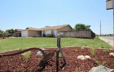 Visalia Single Family Home For Sale: 4721 W Vassar Avenue