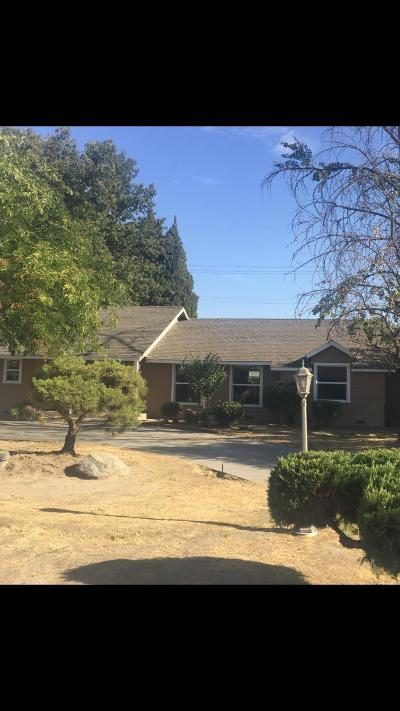 Selma CA Single Family Home For Sale: $259,900