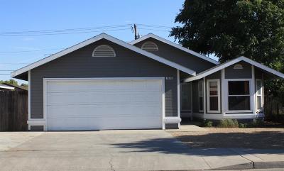 Clovis Single Family Home For Sale: 1636 5th Street Street