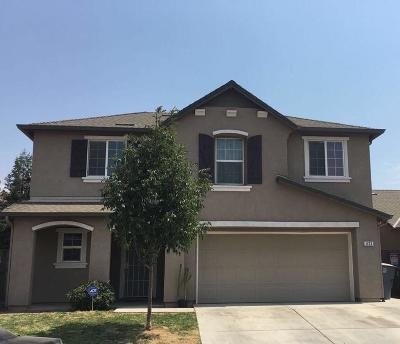 Madera Single Family Home For Sale: 633 Hacienda Street
