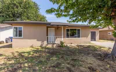 Fresno Single Family Home For Sale: 3853 E Clinton Avenue