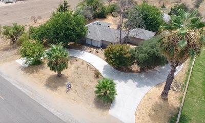 Single Family Home For Sale: 7299 E Tulare Avenue
