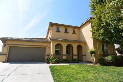 Visalia Single Family Home For Sale: 3943 W Clinton Avenue