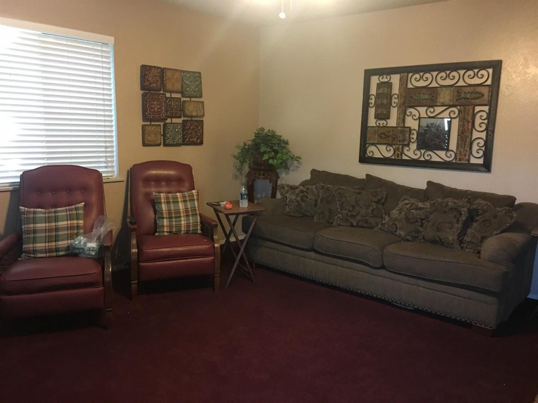 Listing: 1359 E Akers Way, Dinuba, CA.| MLS# 487966 | Kingsburg ...