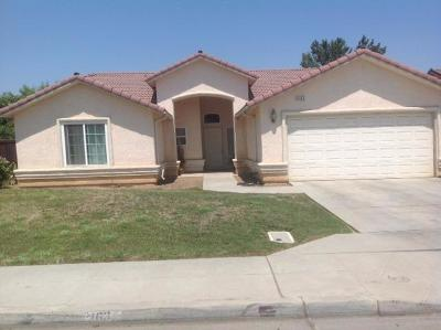 Madera Single Family Home For Sale: 2163 W Park Drive
