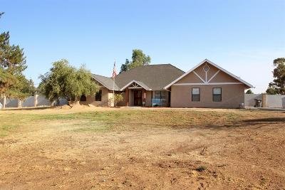 Madera Single Family Home For Sale: 37729 Berkshire Drive