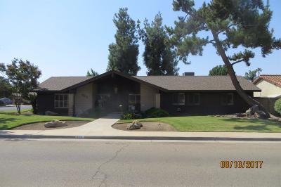 Dinuba Single Family Home For Sale: 888 E Sequoia Drive