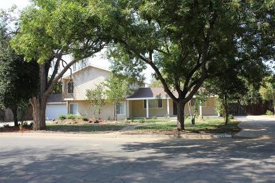 Single Family Home For Sale: 4435 E Santa Ana Avenue