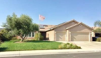 Hanford Single Family Home For Sale: 1532 W Buckingham Drive
