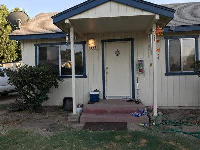 Reedley Multi Family Home For Sale: 1131 W Friesen Avenue