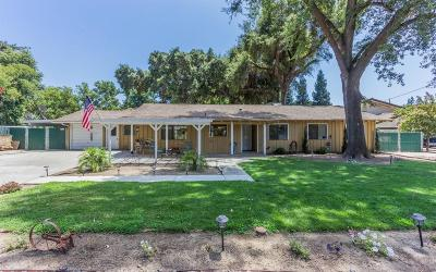 Sanger Single Family Home For Sale: 270 Trout Lake Drive