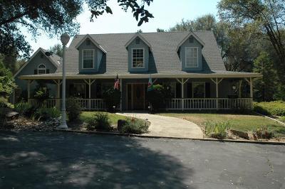 Oakhurst CA Single Family Home For Sale: $549,000