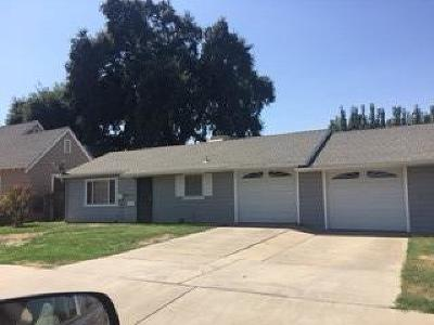 Selma CA Multi Family Home For Sale: $312,000