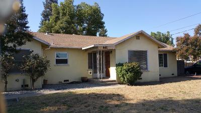 Reedley Single Family Home For Sale: 441 W Stanley Avenue