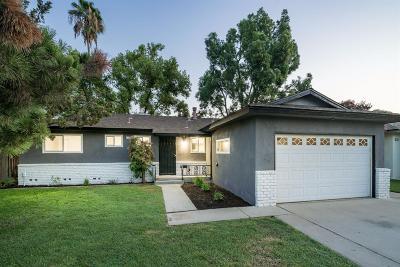 Clovis Single Family Home For Sale: 711 W Holland Avenue