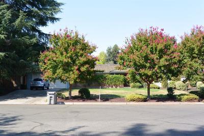 Fresno Single Family Home For Sale: 2668 W Stuart Avenue