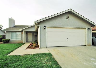 Madera Single Family Home For Sale: 597 Macadamia Avenue