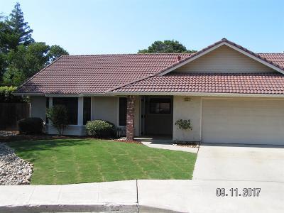 Clovis Single Family Home For Sale: 2225 San Jose Avenue