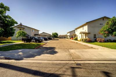 Dinuba Multi Family Home For Sale: 1050 E Kamm Avenue