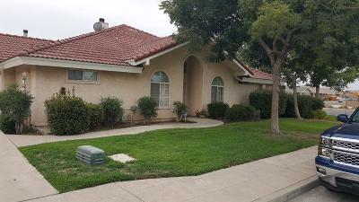 Clovis, Fresno, Sanger Multi Family Home For Sale: 3195 N Whittier Avenue