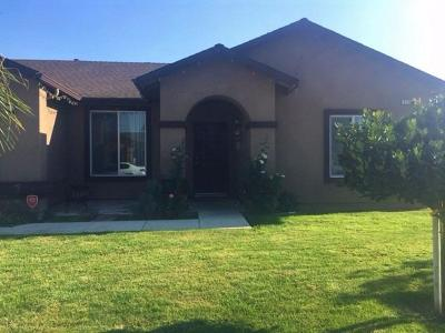 Dinuba Single Family Home For Sale: 1126 El Paso Avenue