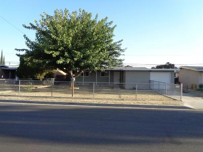Clovis Single Family Home For Sale: 42 Beverly Drive