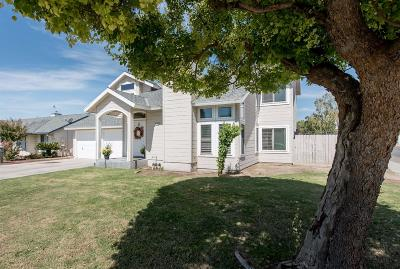 Kerman Single Family Home For Sale: 15768 Orchard Avenue