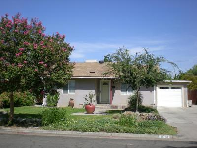 Fresno CA Single Family Home For Sale: $165,000