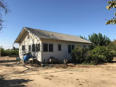 Kingsburg CA Single Family Home For Sale: $349,000
