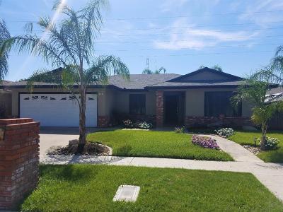 Fresno CA Single Family Home For Sale: $260,000
