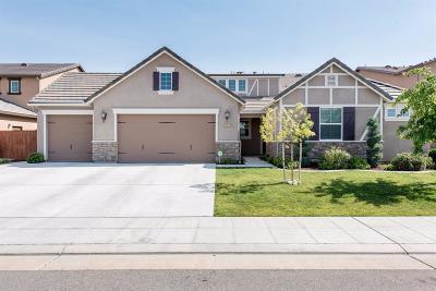 Clovis CA Single Family Home For Sale: $525,000