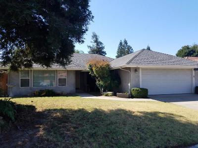 Clovis CA Single Family Home For Sale: $325,000