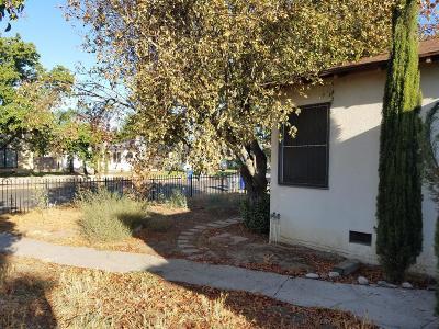Fresno Single Family Home For Sale: 704 N Adoline Avenue