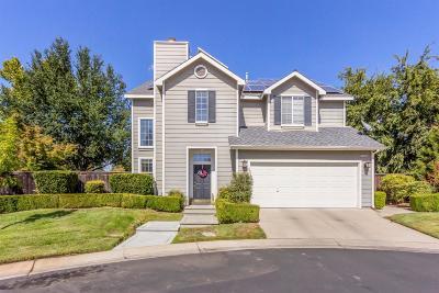Fresno Single Family Home For Sale: 1055 E Monticello Circle
