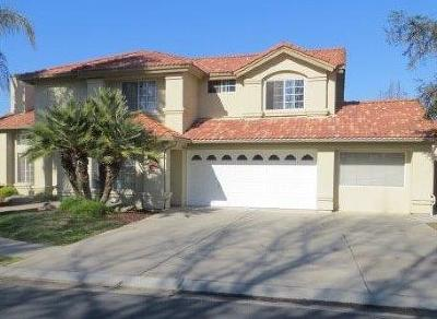 Madera Single Family Home For Sale: 127 North Way