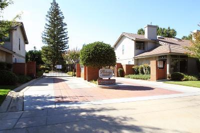 Fresno Condo/Townhouse For Sale: 7057 N Teilman Avenue #102
