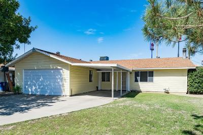 Kingsburg Single Family Home For Sale: 567 Meadow Lane